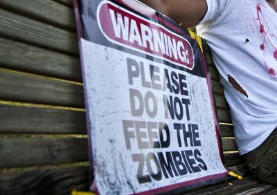 WARNING: PLEASE DO NOT FEED THE ZOMBIES
